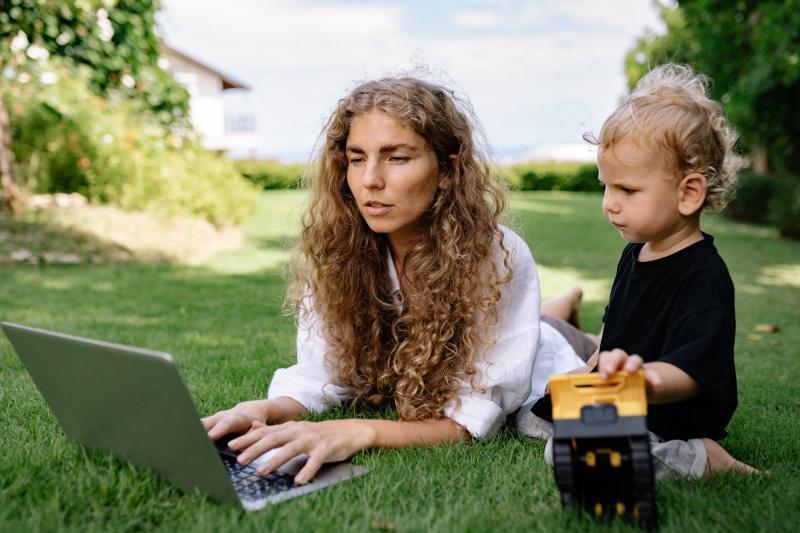 Digital Nomad mum